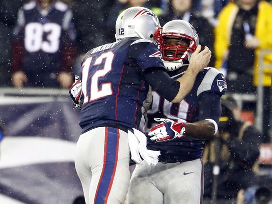 1389500318000-USP-NFL-Divisional-Round-Indianapolis-Colts-at-Ne